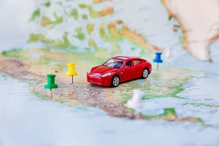 car on USA map