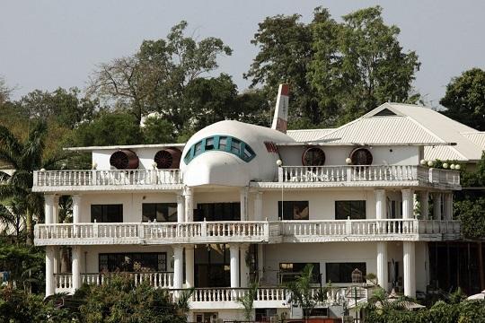 Plane self built house.